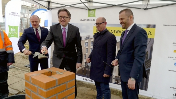 Piotr Krzystek, prezydent Szczecina, Ireneusz Węgłowski (Orbis), Mirosław Ciepluch (Mota Engil), Dariusz Gul (Orbis) /fot.: mab /