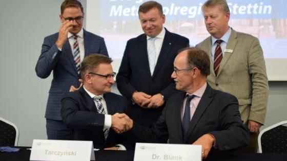 Podpisanie listu intencyjnego dot. współpracy IHK Neubrandenburg i Północnej Izby Gospodarczej /fot.: SG /