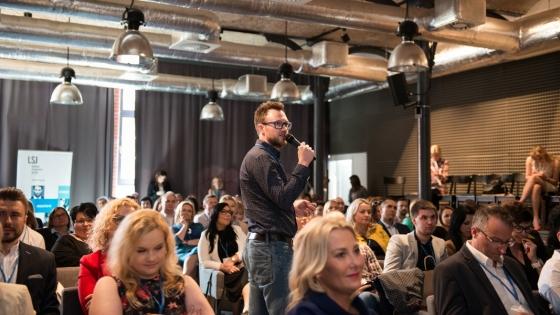 Okazją do rozmowy o dobrych pracodawcach będzie m.in. konferencja #HR Szczecin. Na zdjęciu - ubiegłoroczna edycja konferencji. /fot.: mat. LSJ HR Group /