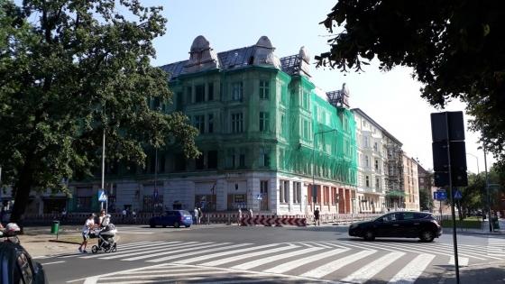 Śląska Grupa Inwestycyjna kupiła na licytacji komorniczej narożną kamienicę przy pl. Zwycięstwa w Szczecinie /fot.: SG /